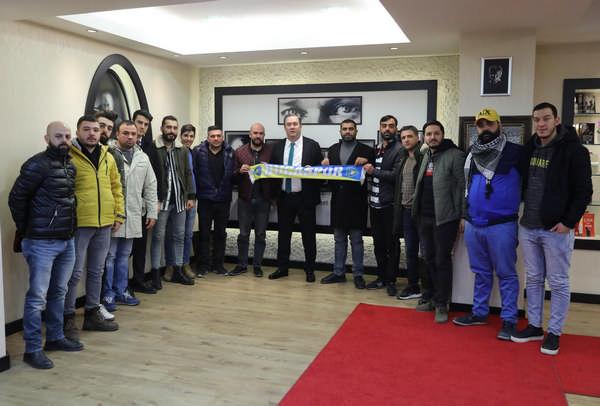 Başkan Piriştina Bucaspor taraftarlarıyla bir araya geldi