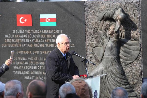 Hocalı katliamı kurbanları Karabağlar'da anıldı