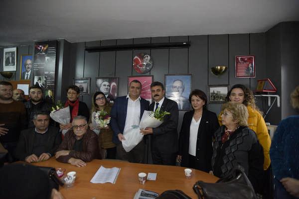 Karabağlar'da coşkulu İYİ Parti-CHP buluşması