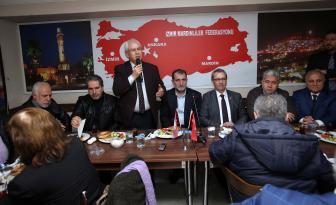 Başkan Selvitopu, İzmir Mardinliler Federasyonu'nda coşkuyla karşılandı