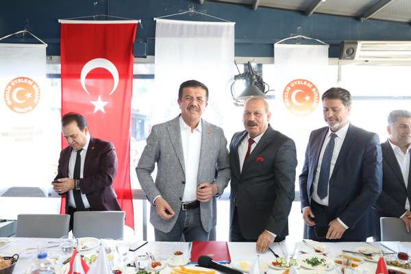 Nihat Zeybekci, İzmir'de Türkiye Meclis Üyeleri Birliği ile buluştu.