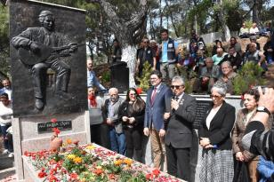 Sanatçı Ali Ekber Çiçek Edremit'te anıldı