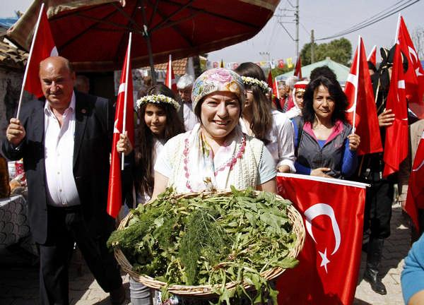 İzmir Buca Karacaağaç Köyü Neşeli Otlar Festivali