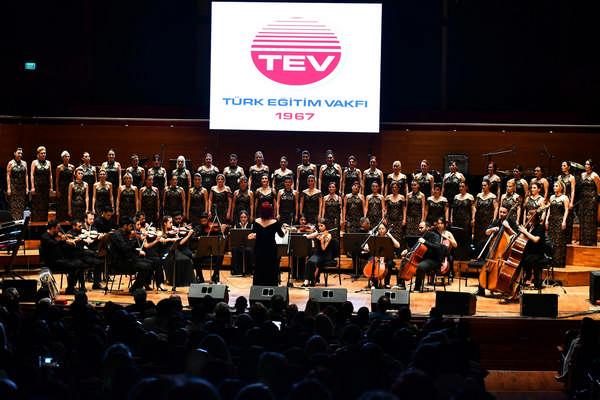 İzmir, TEV'in Umut Konseri'ne ev sahipliği yaptı