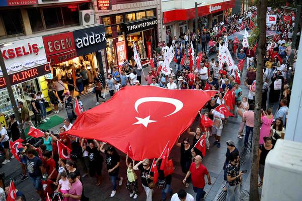 Karşıyaka'da '30 Ağustos' şöleni