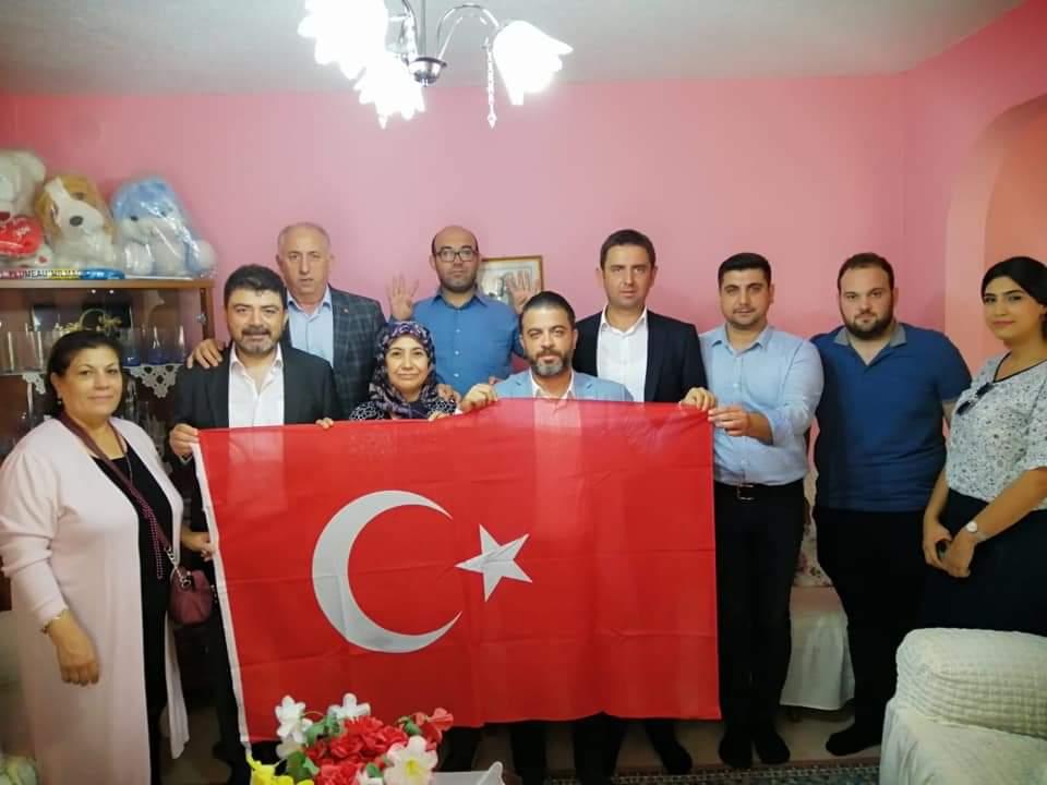 """Söz mahallelerde… AK Parti İzmir Teşkilat Başkanı Kocabaş, """" 3 koldan 7-24 alandayız…"""""""