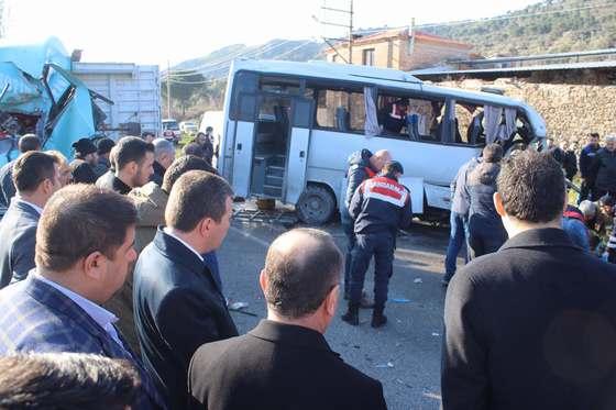 Bergama da elim Trafik kazası meydana geldi