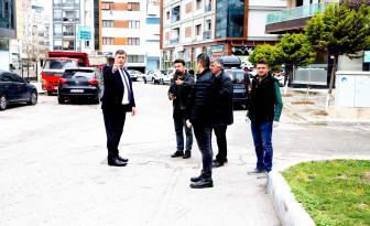Doktor Başkan sahada! Tugay'dan mahallelere 'koronavirüs' ziyaretleri