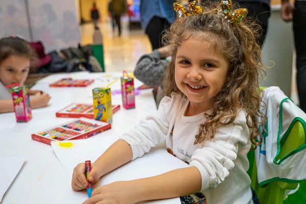 Pınar Çocuk Resim Yarışması tüm çocukları 23 Nisan'da yapacakları resimlerle Cumhuriyetin 100. Yıl coşkusuna katılmaya davet ediyor
