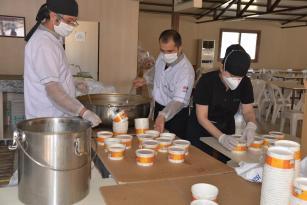 Menemen Belediyesi'nden bin aileye çorba ikramı