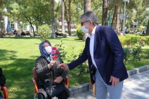 BAŞKAN ARSLAN, 65 ÜSTÜ BÜYÜKLERİ UNUTMADI