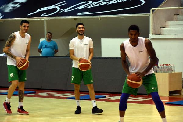 Aliağa'nın Takımı Petkimspor Süper Lige İddialı Hazırlanıyor