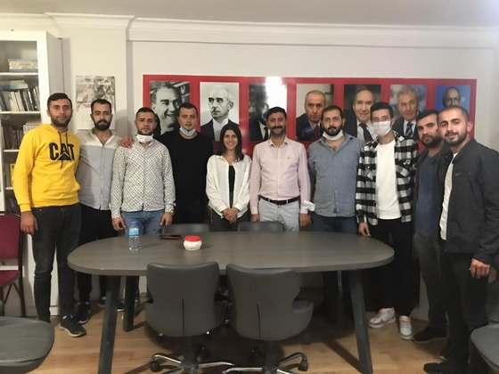 Dört Genç AKP'den istifa ederek CHP'ye geçti