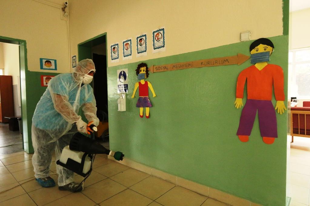 Konak'ta okullar yüz yüze eğitimin ikinci aşamasına hazır