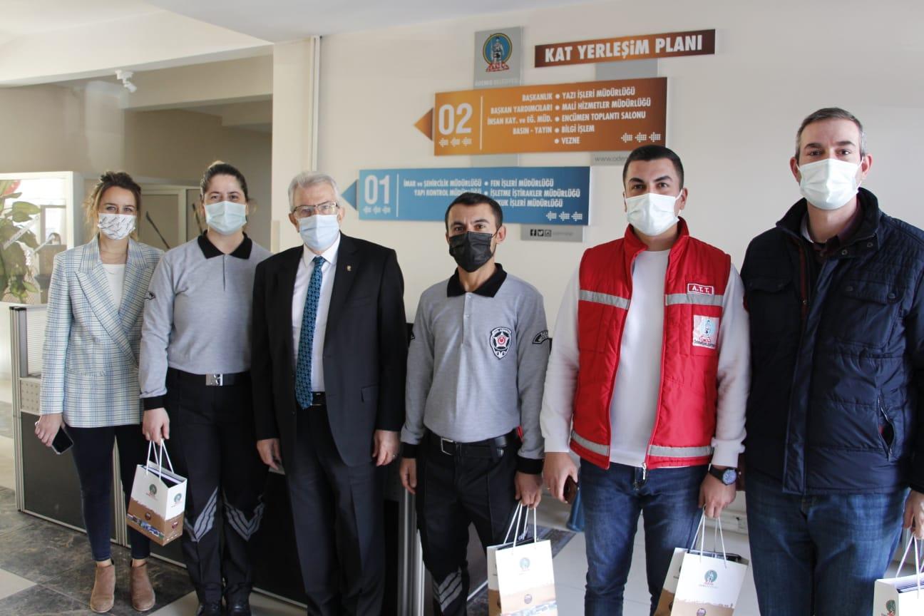 Başkan Eriş, belediye çalışanlarının yeni yılını kutladı