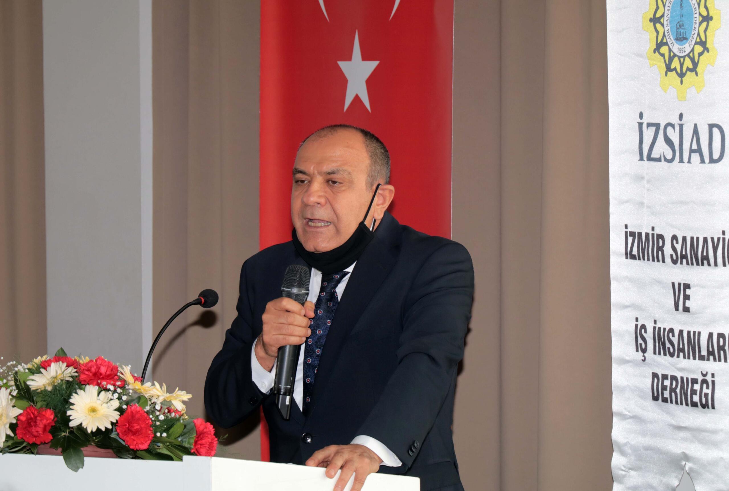 """İZSİAD Genel Kurulu """"Küçükkurt"""" dedi Hasan Küçükkurt güven tazeledi"""