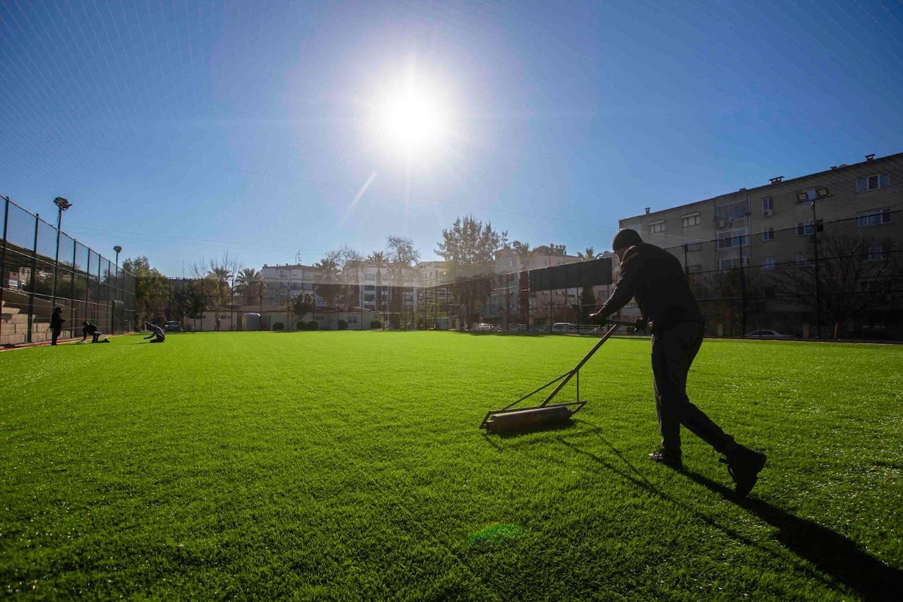 Karşıyaka'nın spor tesisleri yenileniyor