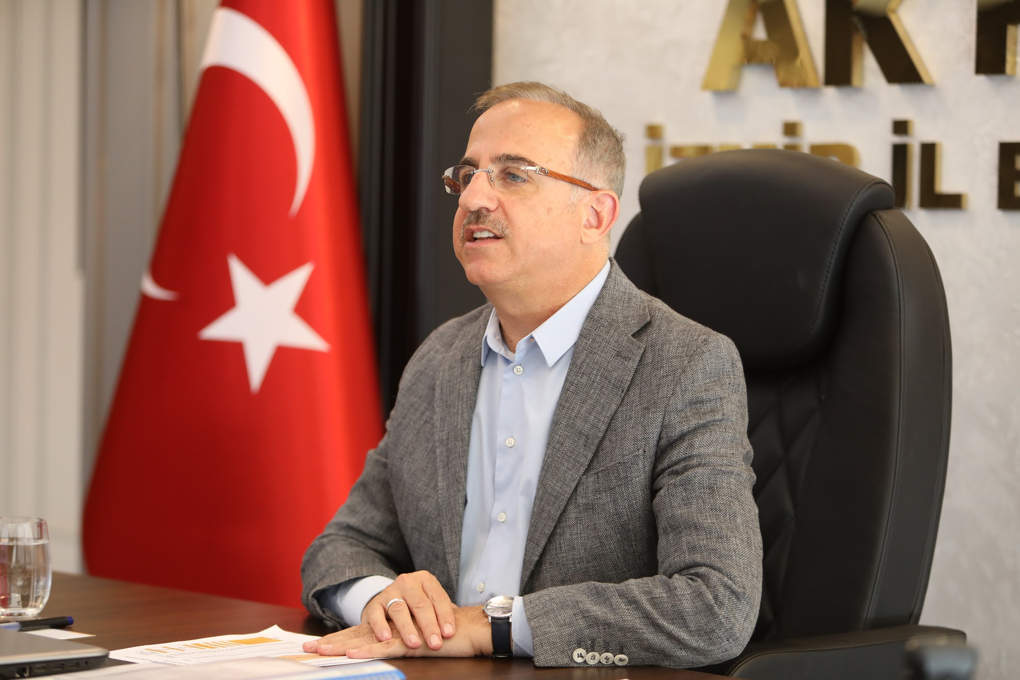 """AK Parti İzmir İl Başkanı Kerem Ali Sürekli; """"Art niyetliler, acıdan medet umuyor…"""""""